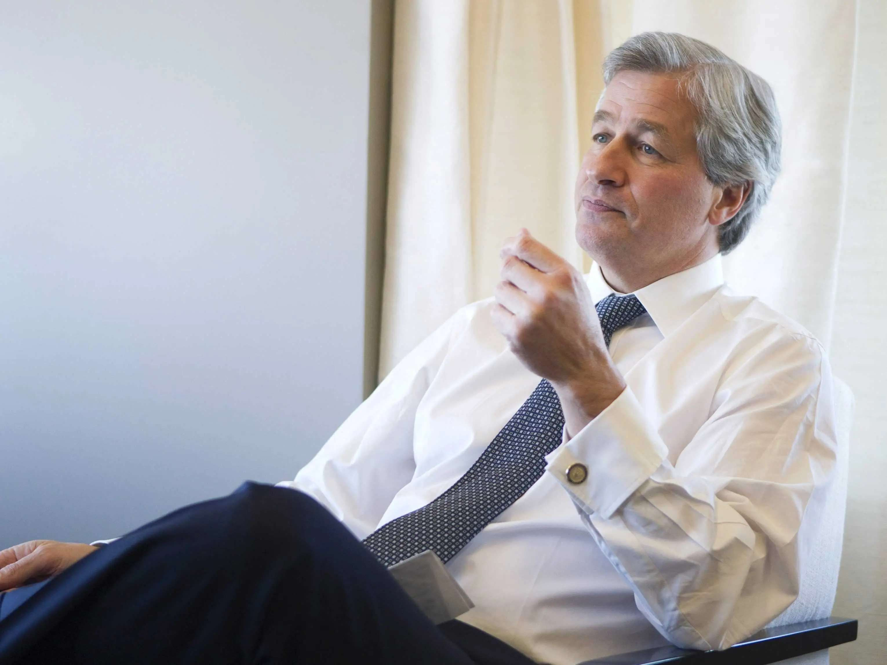 Jamie Dimon hates when people throw others under the bus.