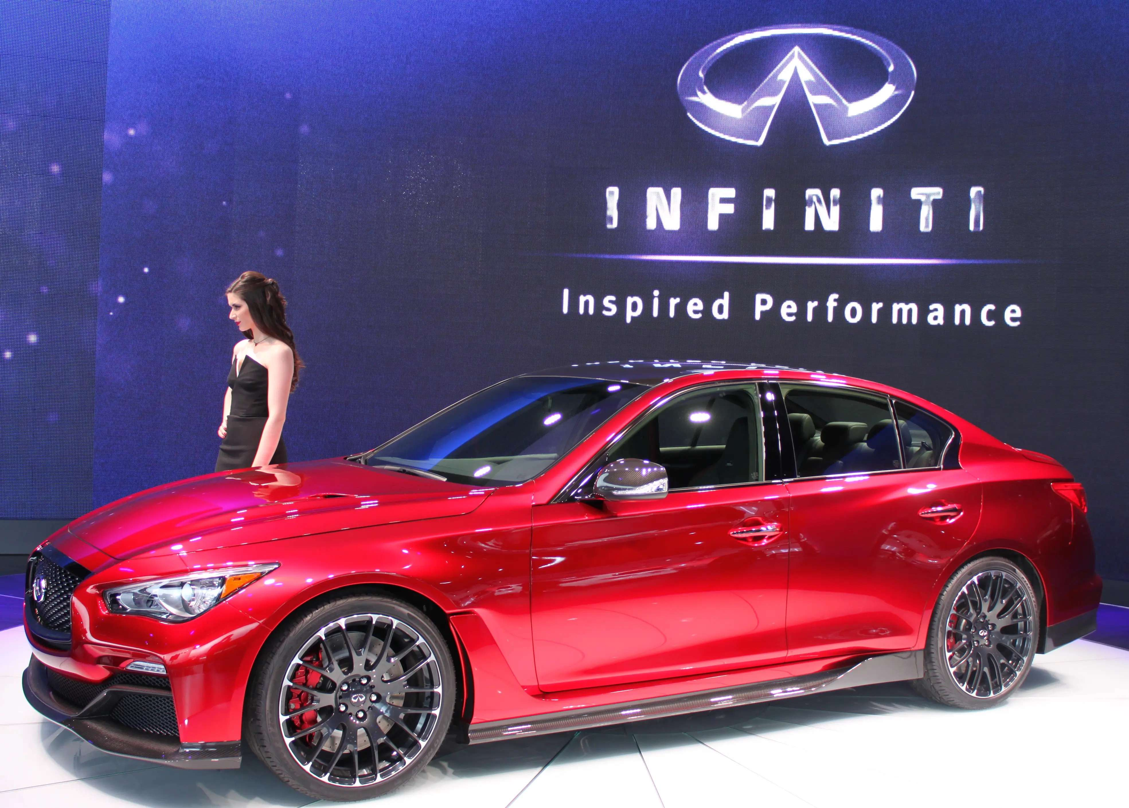 Infiniti will do itself a favor if it turns the gorgeous Q50 Eau Rouge concept into a production car. With over 500 horsepower, it would give Nissan's luxury brand a better shot at competing with big players like BMW and Mercedes.