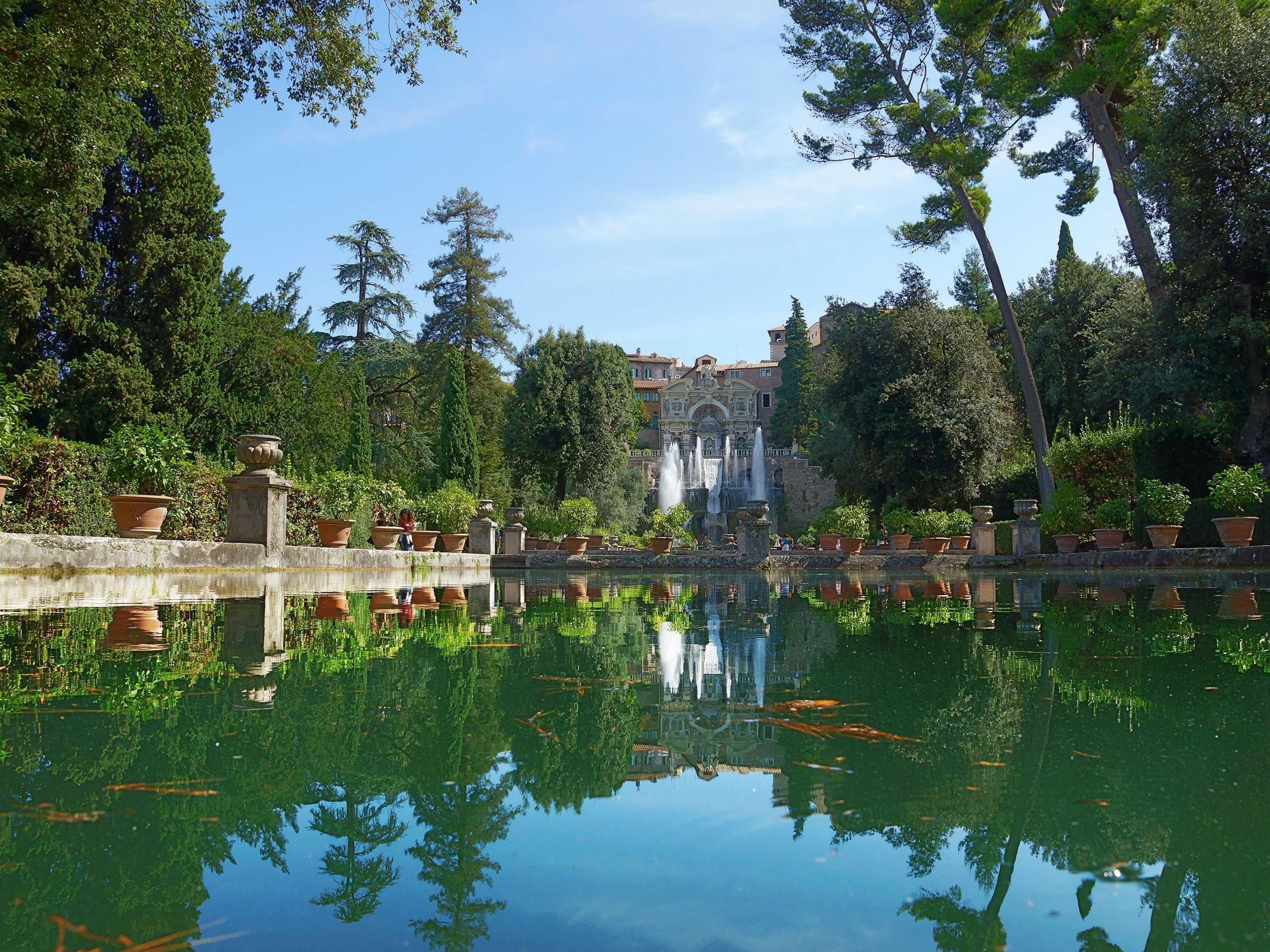 Stroll through the peaceful Renaissance gardens of the Villa d'Este in Tivoli.