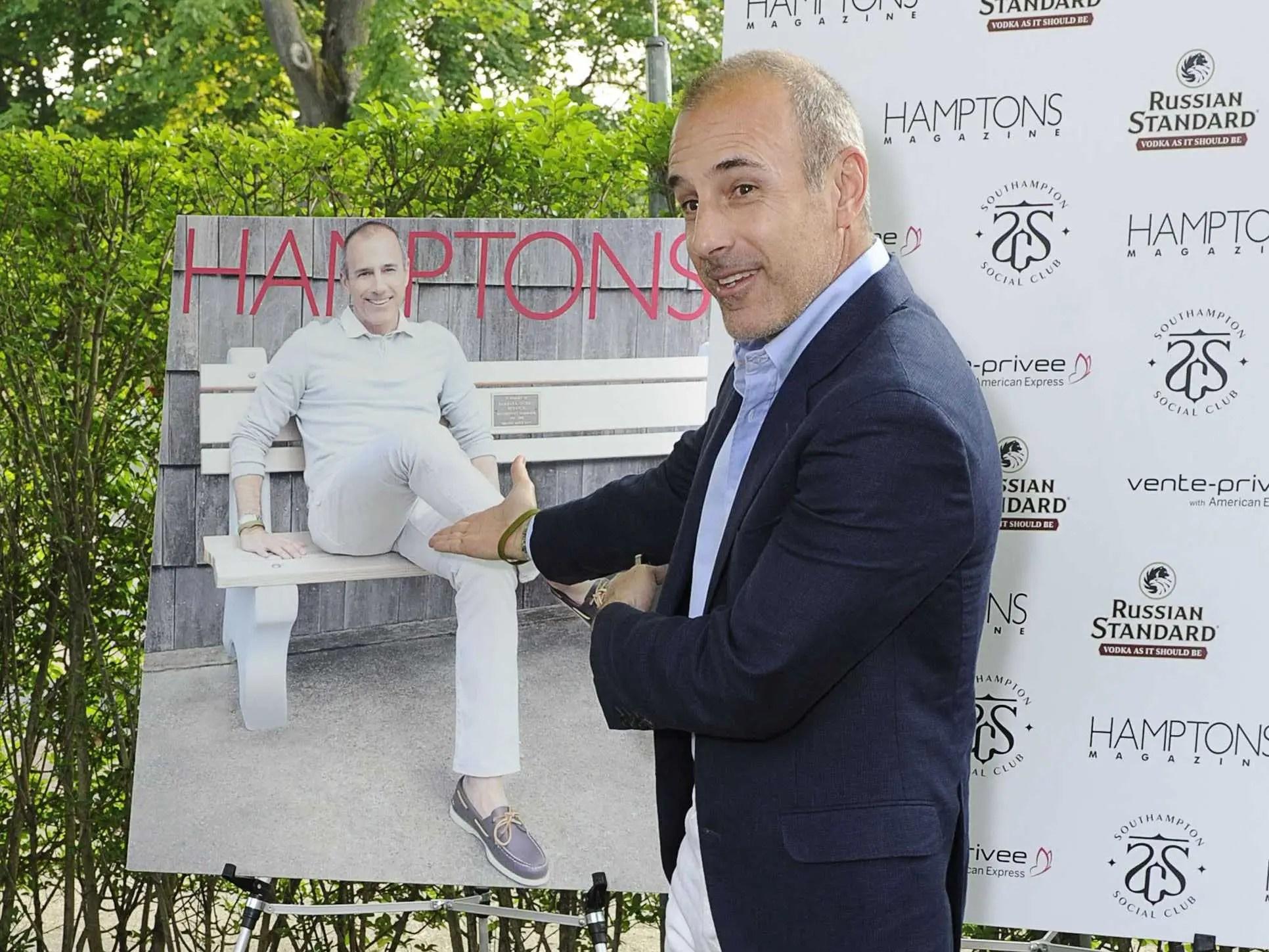 Matt Lauer, quien vive en molino de agua a tiempo completo con su familia, apareció en la portada de Hamptons magazine en 2012.