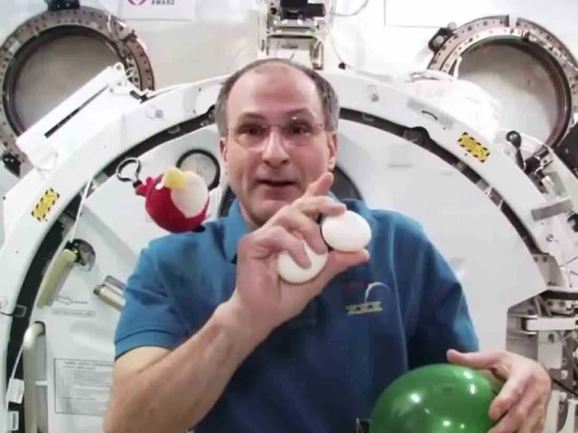 Astronaut Donald Pettit spends his off-time in space taking photographs.