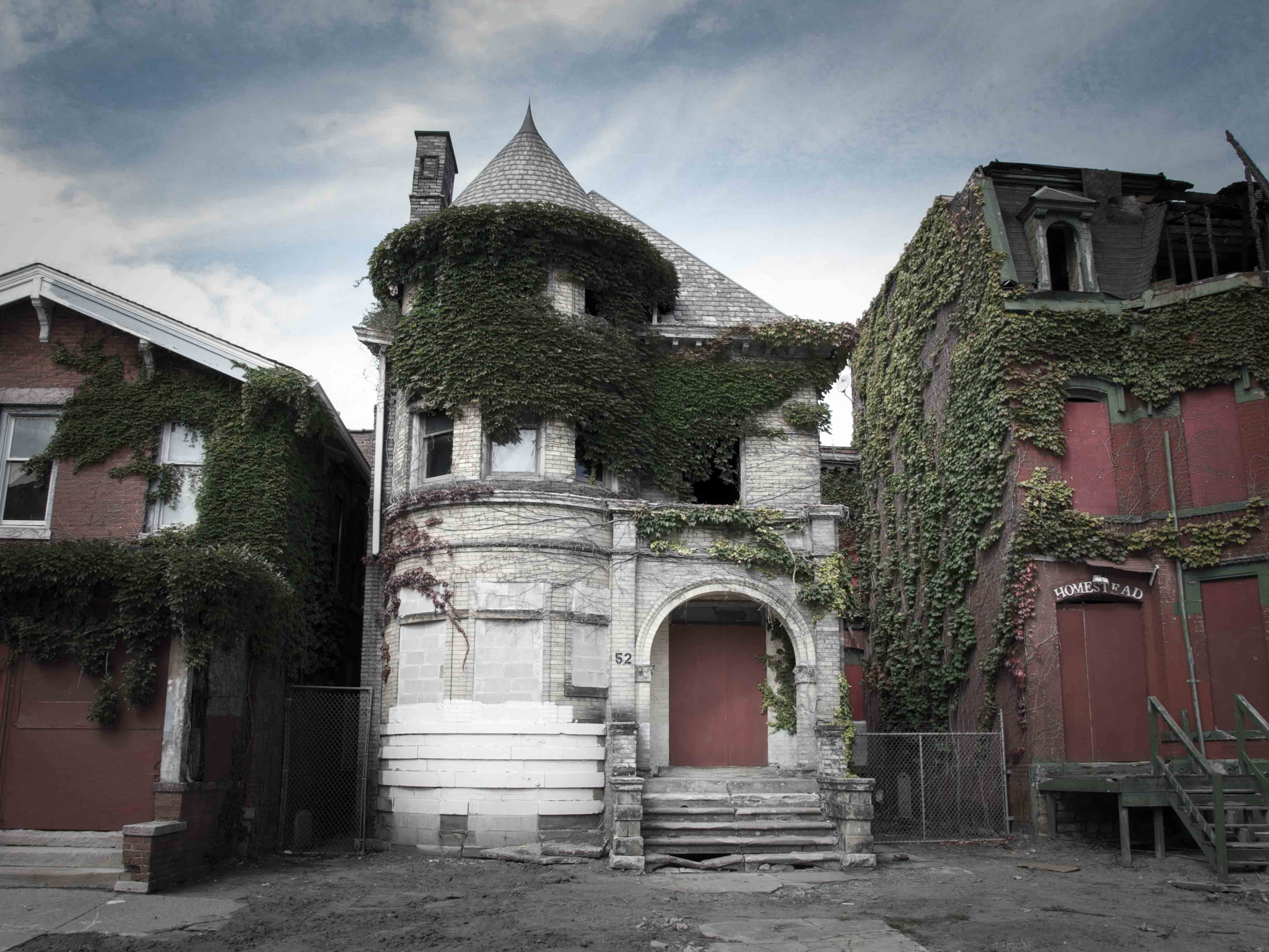Detroit has no shortage of ghost stories, especially on Temple Street. This dilapidated Victorian mansion was supposedly where three priests were murdered in 1942. Neighbors claimed they could even hear the ghosts from across the street. The home was recently demolished to make way for new developments.