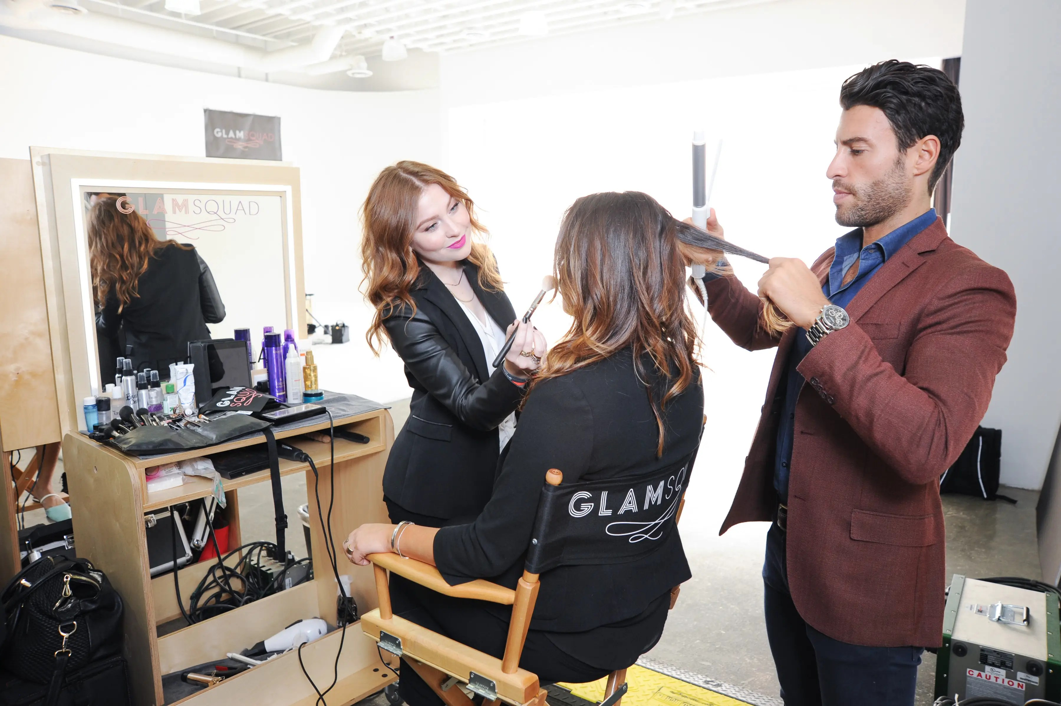 GLAMSQUAD brings hair salon-quality blowouts to your apartment.