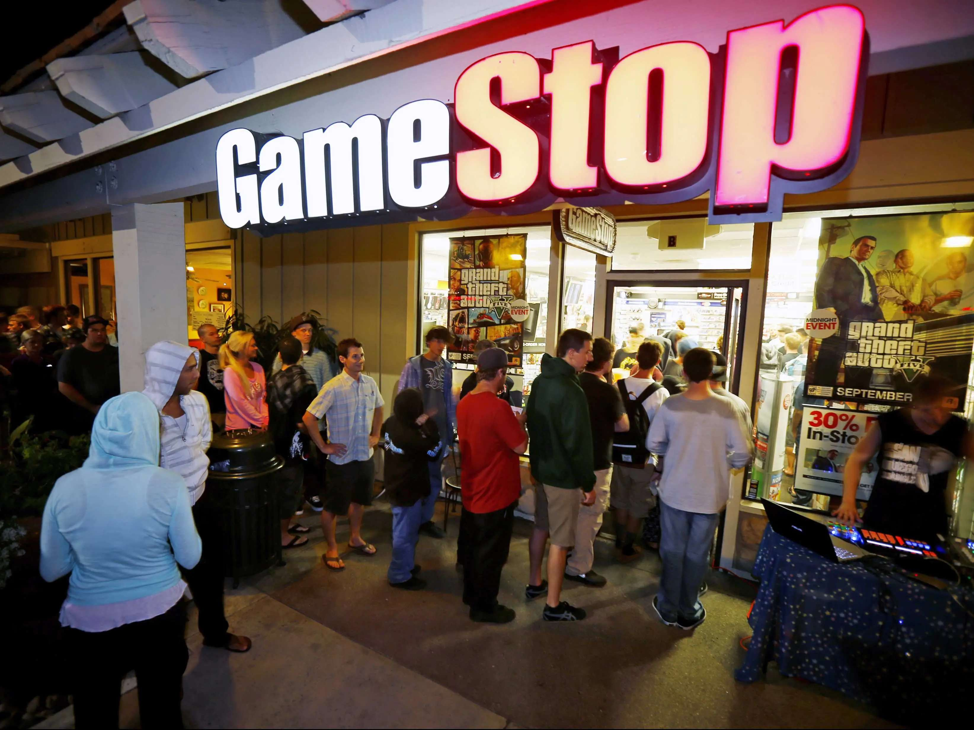 GameStop's brilliant strategy is helping it avoid Blockbuster's fate.