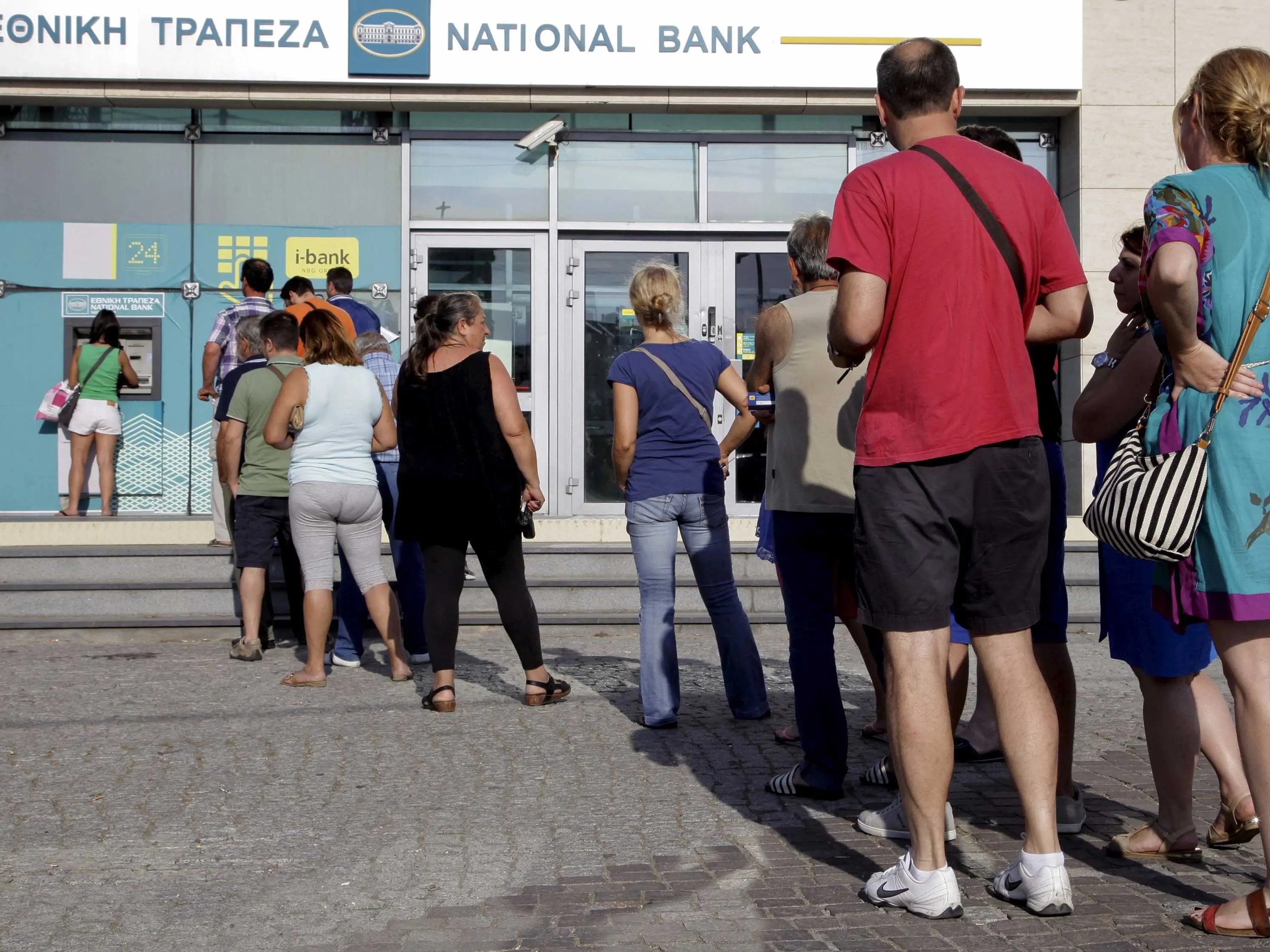 greek greece bank atm line queue