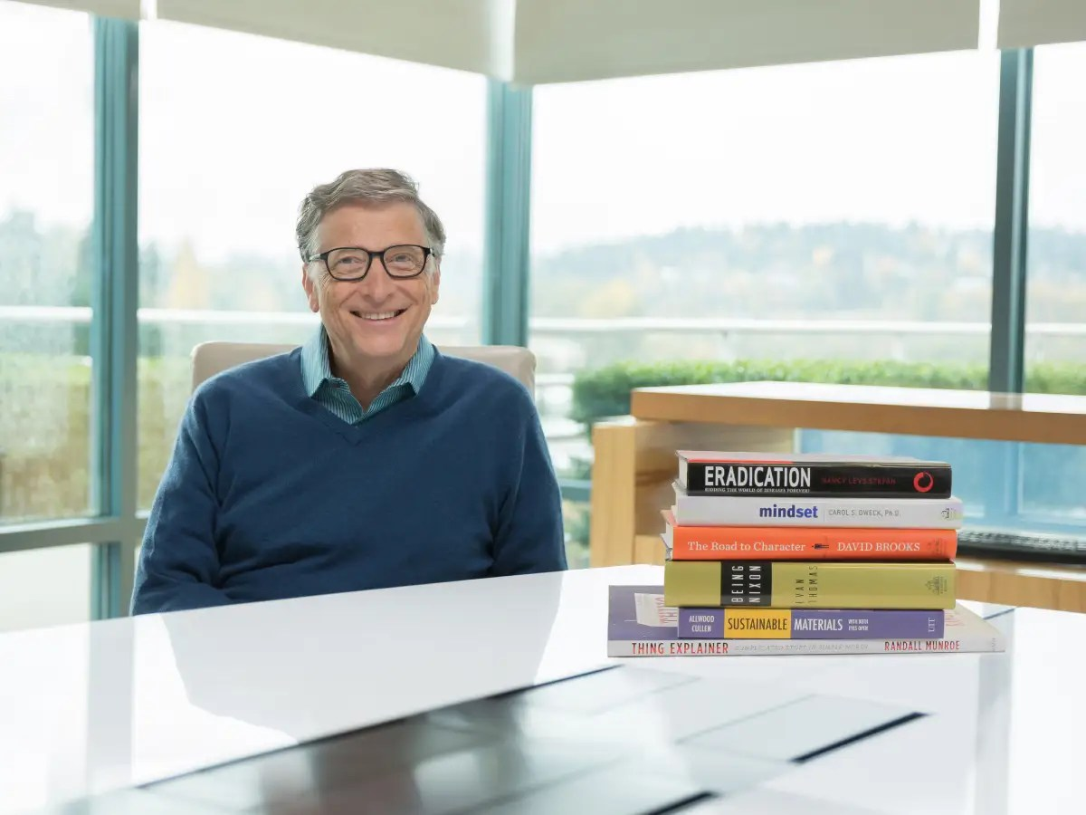 Gates says that he reads 50 books a year. Gates says that