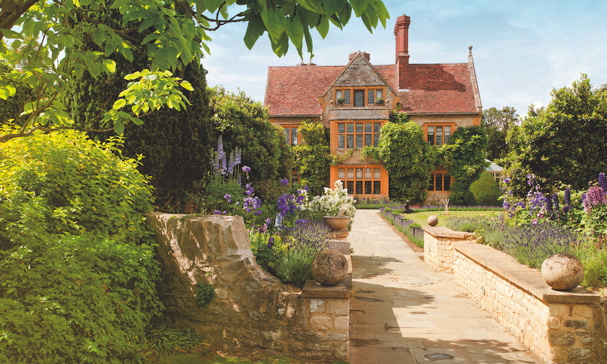 Welcome to Belmond Le Manoir aux Quat'Saisons, housed inside a manor house in the quaint village of Great Milford, Oxfordshire.