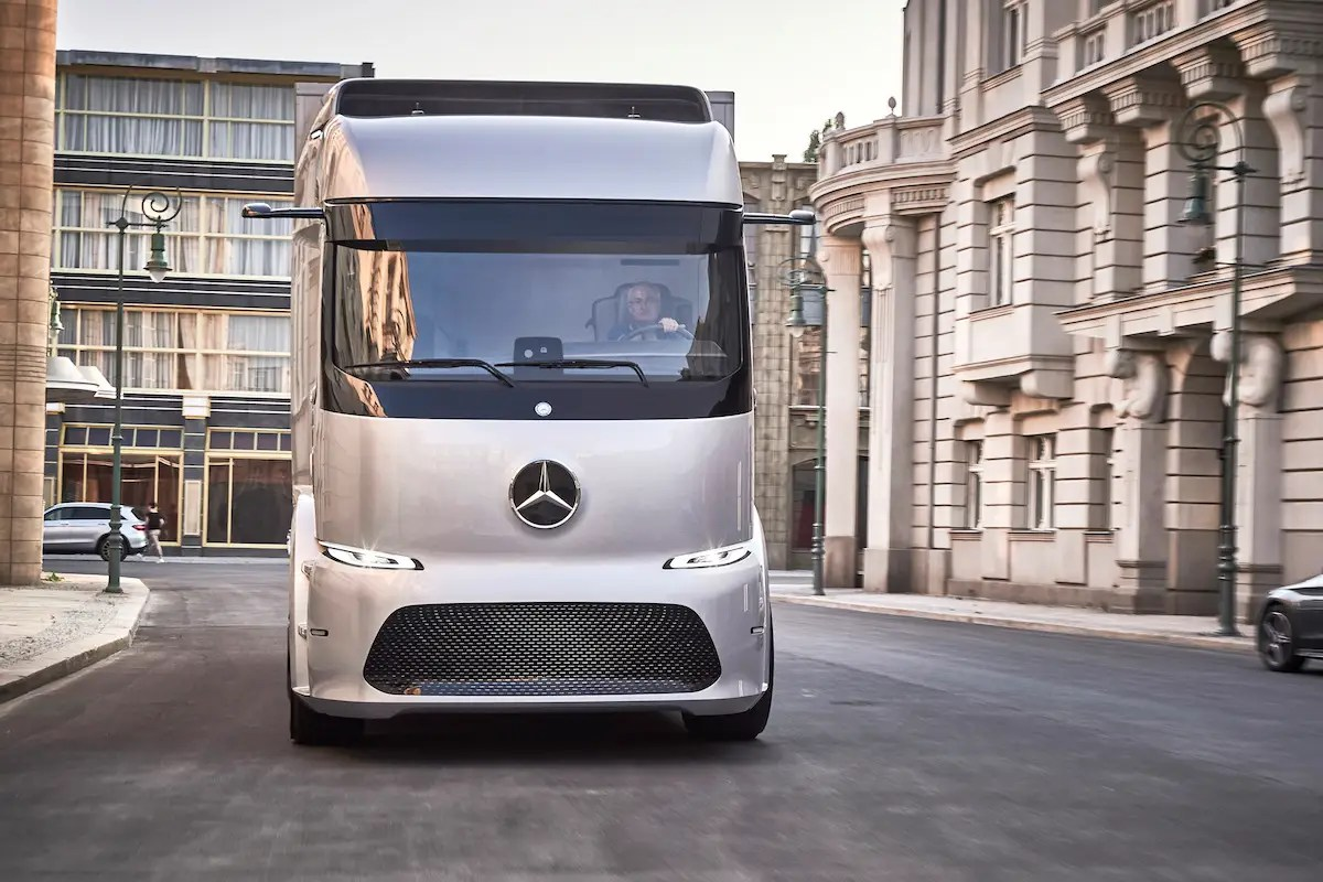 Meet Mercedes' Urban eTruck: a fully electric truck designed specifically for city driving that gets a range of 124 miles.