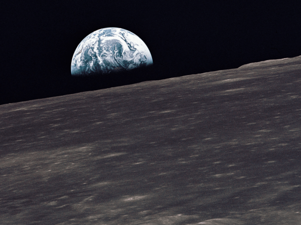The space between Earth and the moon is mind-boggling ...