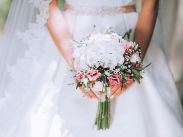 wedding dress bouquet bride