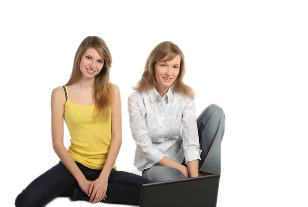 https://i1.wp.com/static3.depositphotos.com/1000673/110/i/450/dep_1102291-Two-girls-students-work-on-the-laptop.jpg