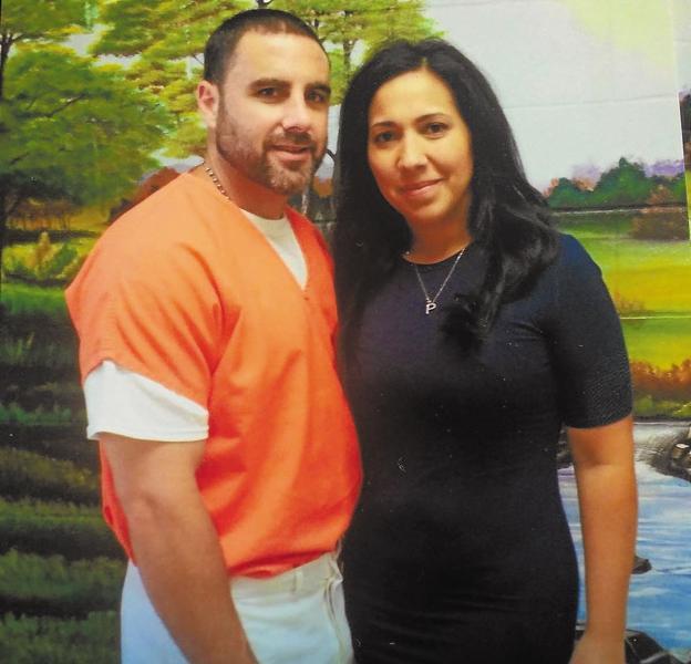 Pablo Ibar con su esposa Tanya Quiñones, en 2016.