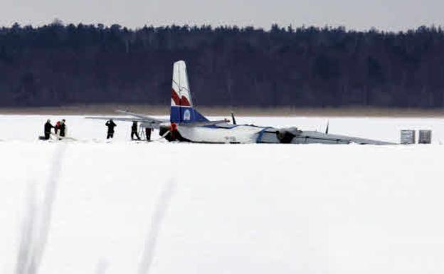 Image of an Antonov-16, the crashed model airplane.