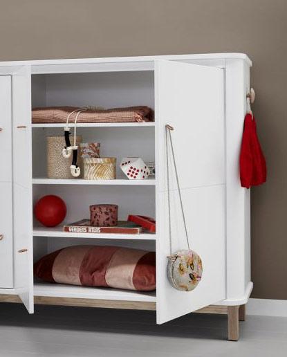 les enfants du design vous proposent une selection de meubles de rangement pratiques ludiques et design dans cette categorie retrouvez toutes les armoires