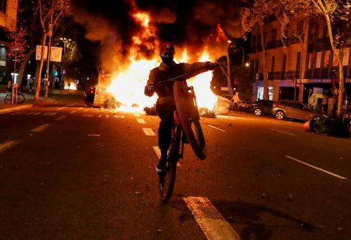 Un ciclista durante las protestas