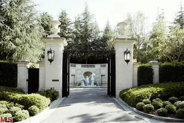Fleur de Lys has a private, gated entrance on N. Carolwood Drive.