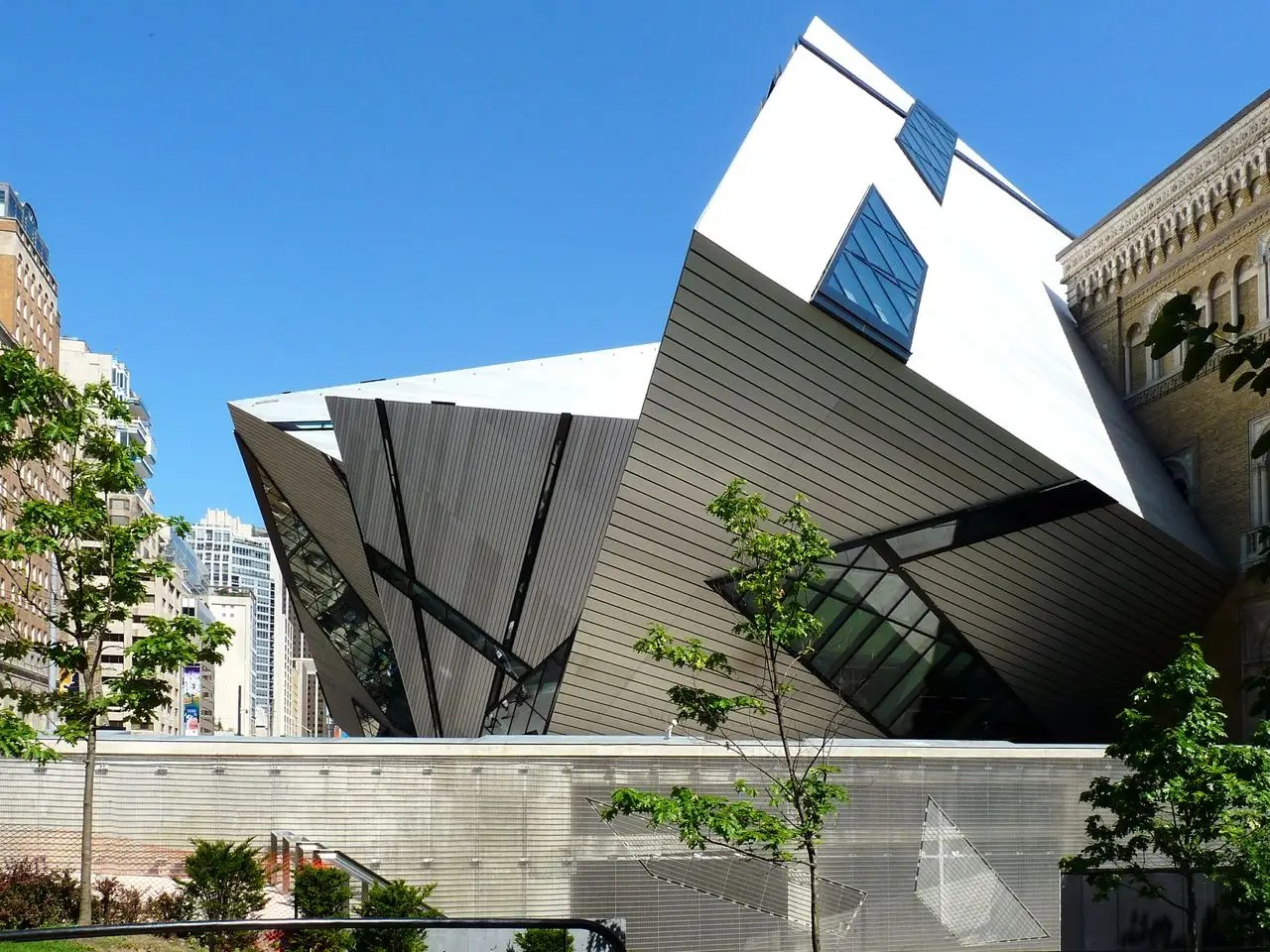 "The Royal Ontario Museum in Toronto, Canada was designed using overlapping glass and aluminum to create a ""crystal"" structure."