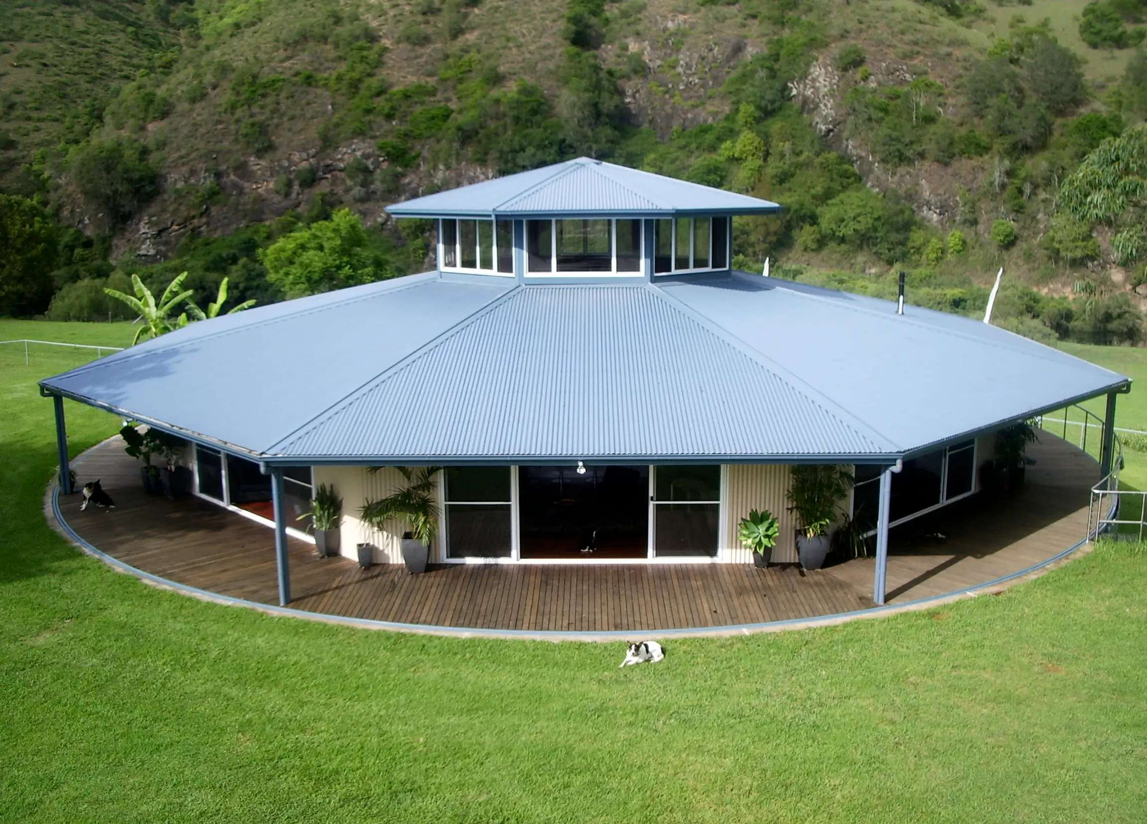 This three-bedroom, octagonal home was built on a rotating platform in Australia. The house cost $700,000 to construct, and makes a full rotation every 30 minutes.
