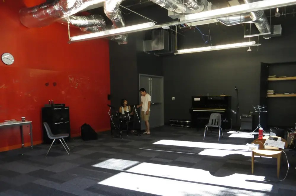 ... a music studio to play and take lessons ...