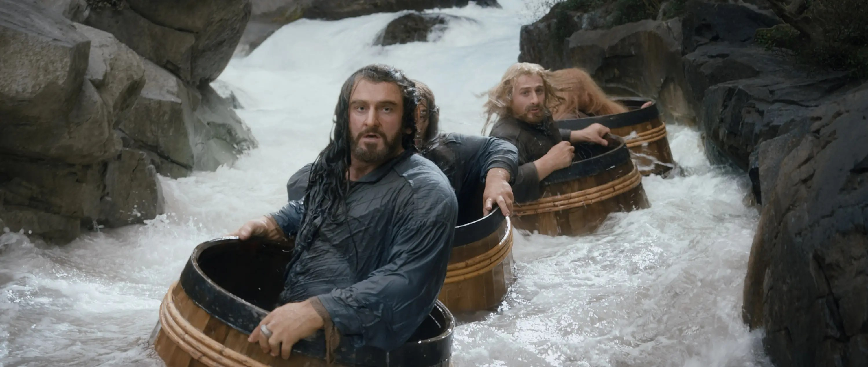 the hobbit the desolation of smaug dwarves barrels