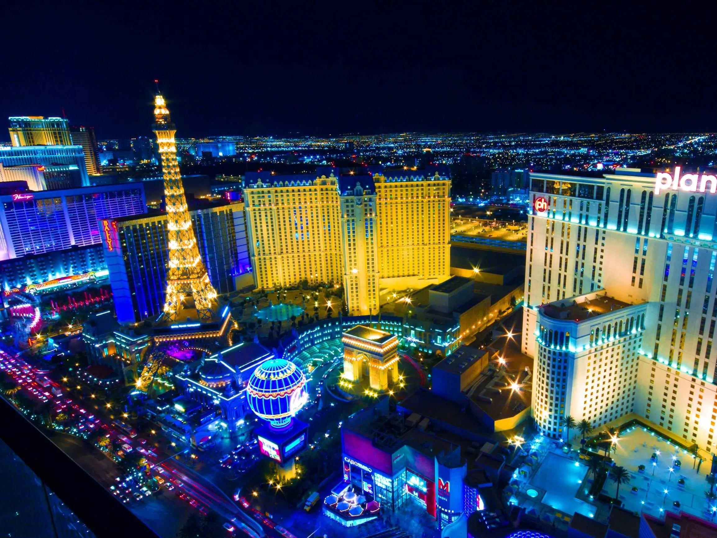 Cruise the Las Vegas Strip.