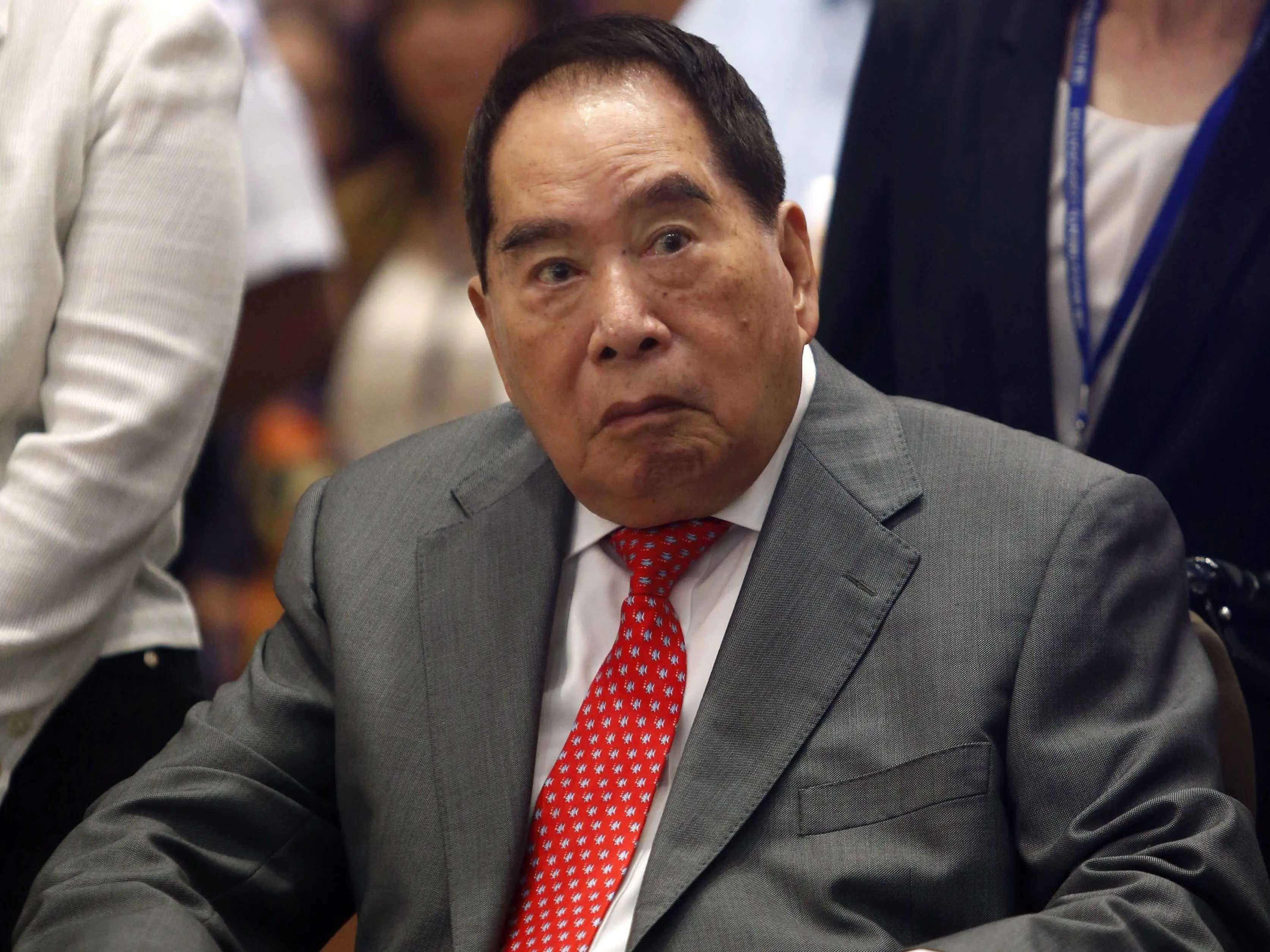 The richest Filipino: Henry Sy and family