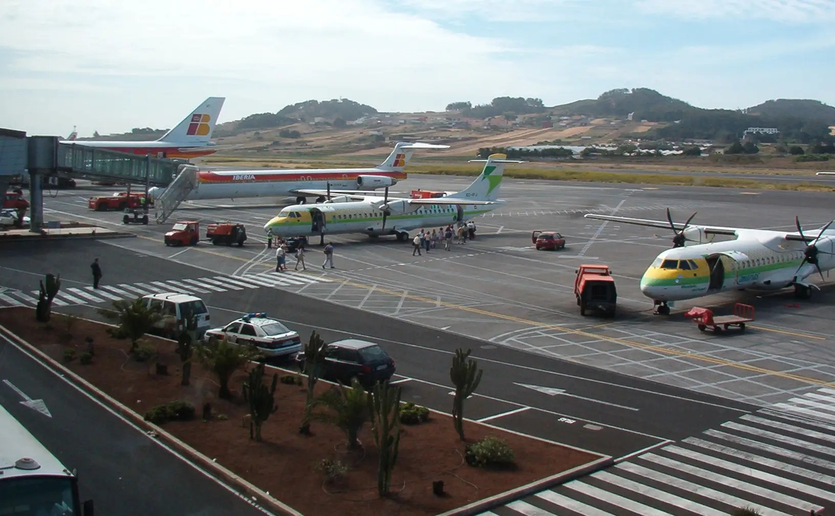 http://static4.businessinsider.com/image/53332662eab8eaac6586ebb1-1200-750/tenerife%20north%20airport%20(los%20rodeos).jpg
