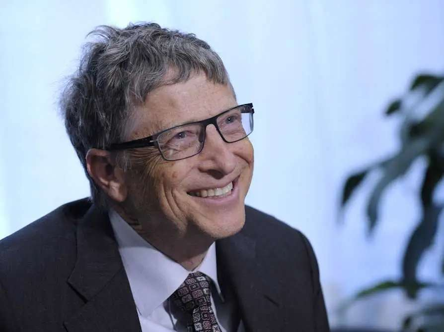 Bill Gates reads for an hour before bed, no matter what time he gets home.