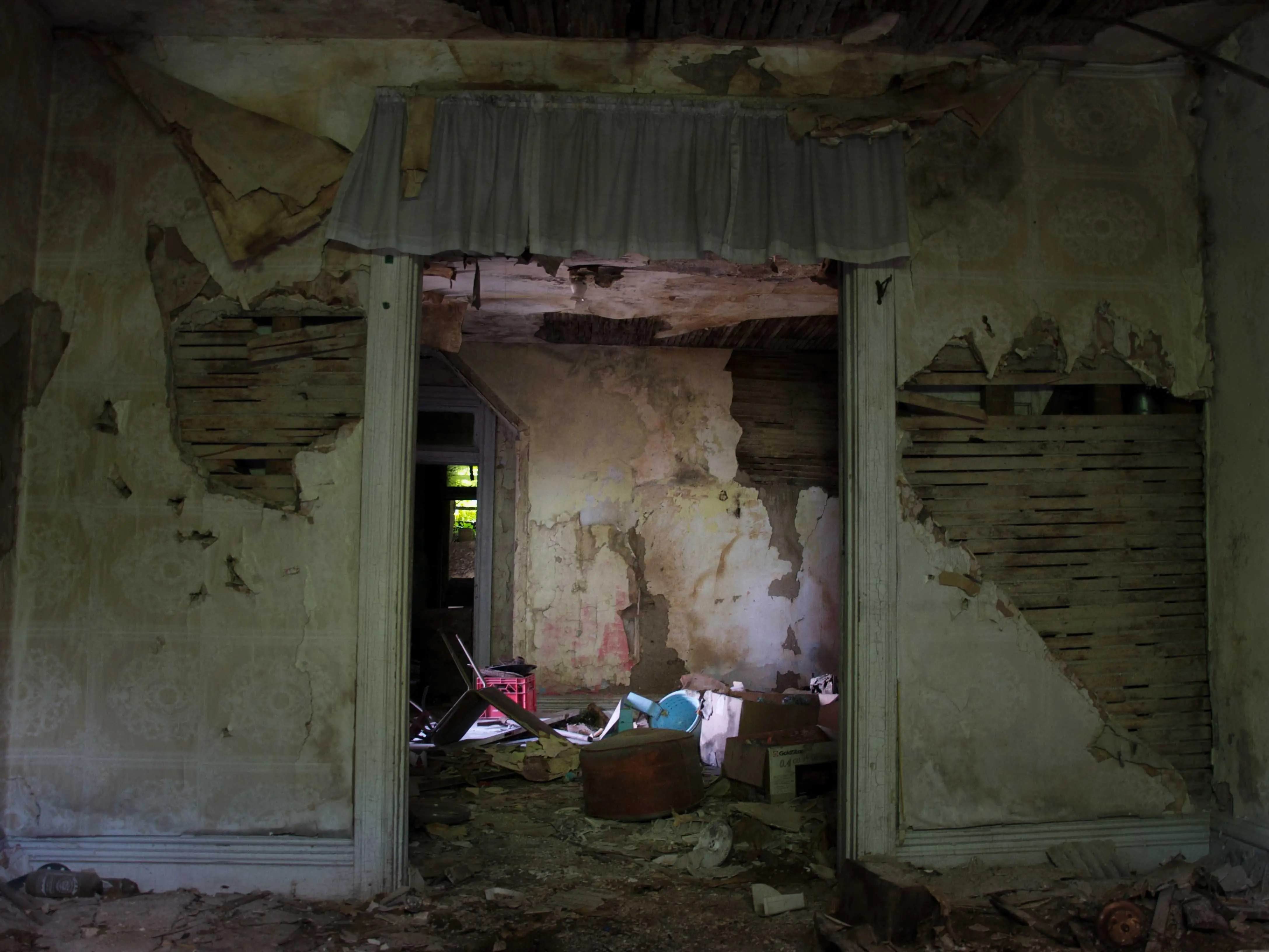 Akron Ohio the childhood bedroom of one of the most notorious serial killers in American history, Robert Berdella also known as the Butcher of Kansas City