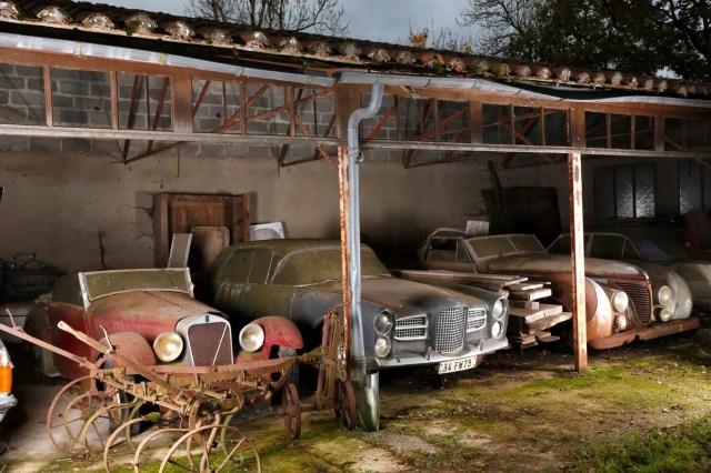 Abri 1 avec Facel Vega Excellence et Talbot Lago T26 cabriolet Saoutchik ex Roi Farouk, Collection Baillon ® Artcurial