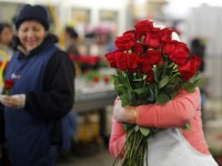 buy roses for valentines day