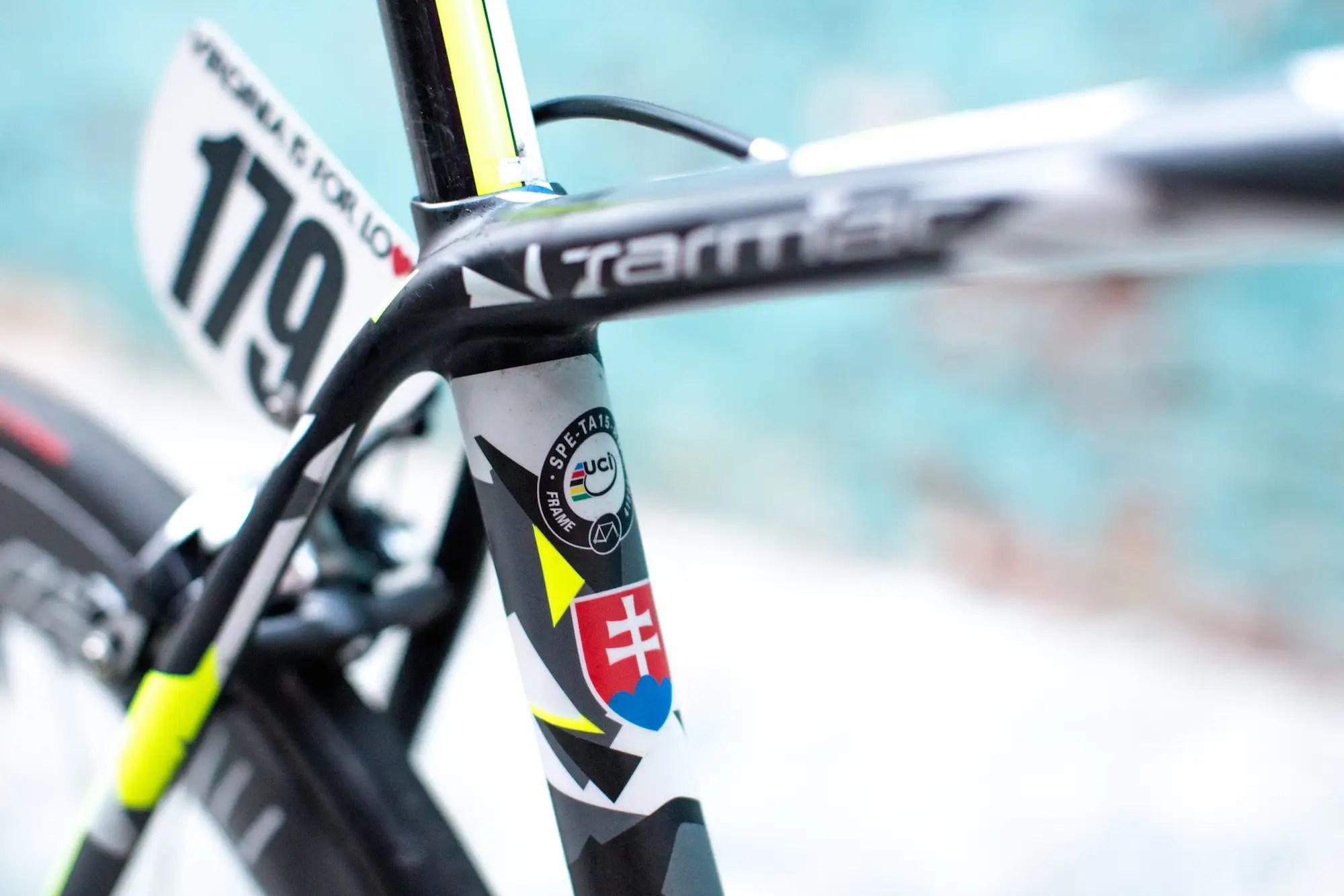 The coat of arms of Slovakia on the seat tube is a nice touch.