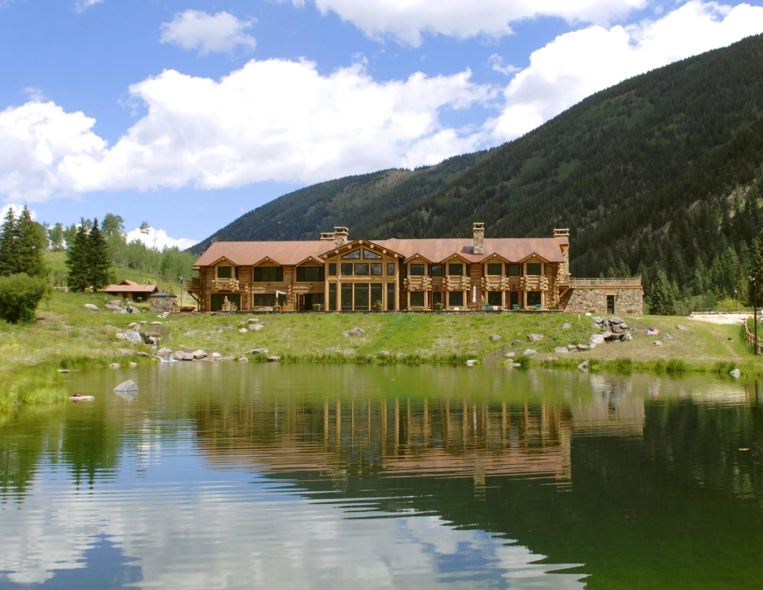 And finally there's the main house,Elk Mountain Lodge. It's 15,000 square feet of classic Western decadence overlooking the water.
