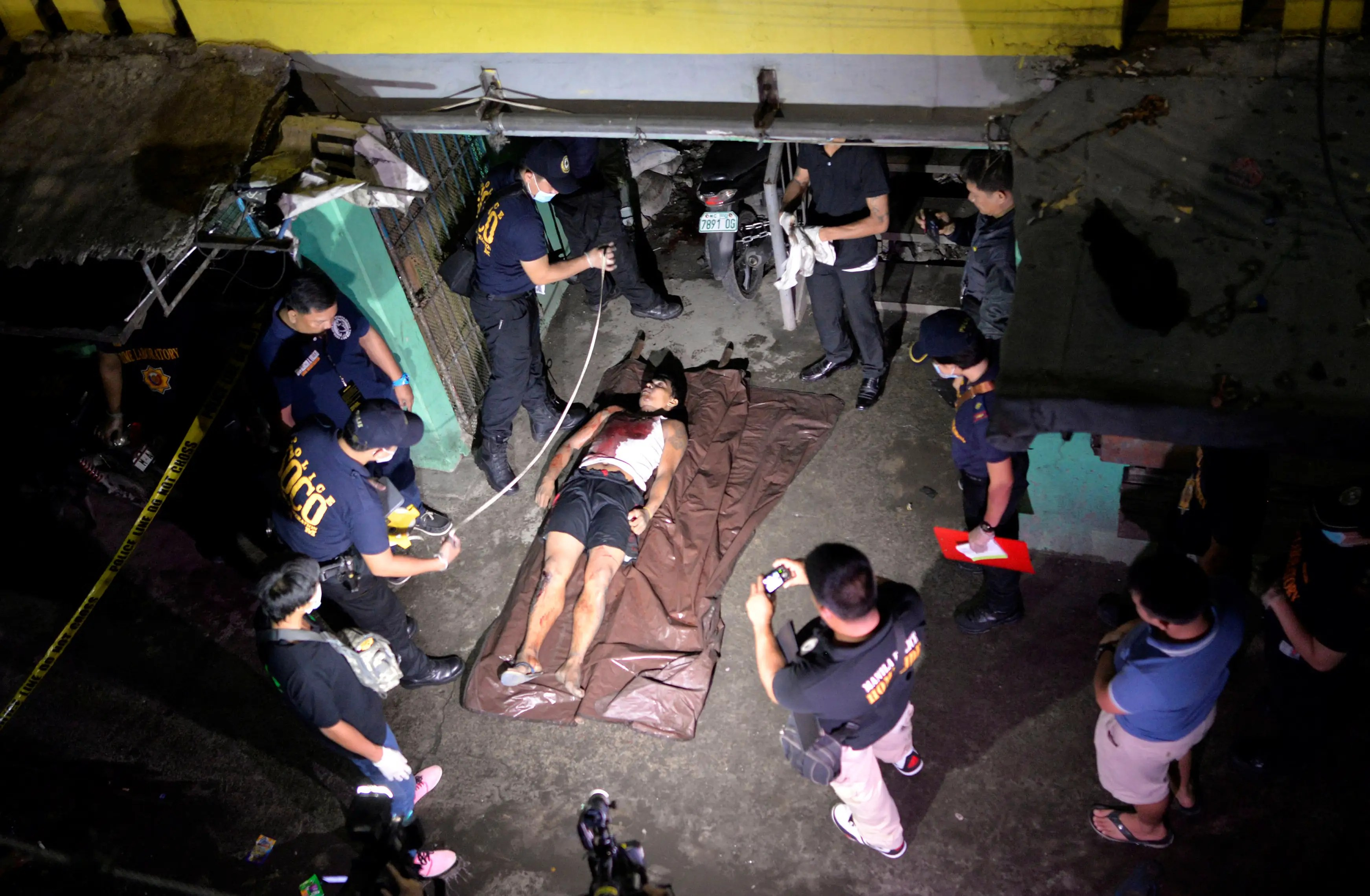 illegal drugs philippines Philippine drug enforcement agency operatives and local policemen arrested a known drug dealer in the world famous.