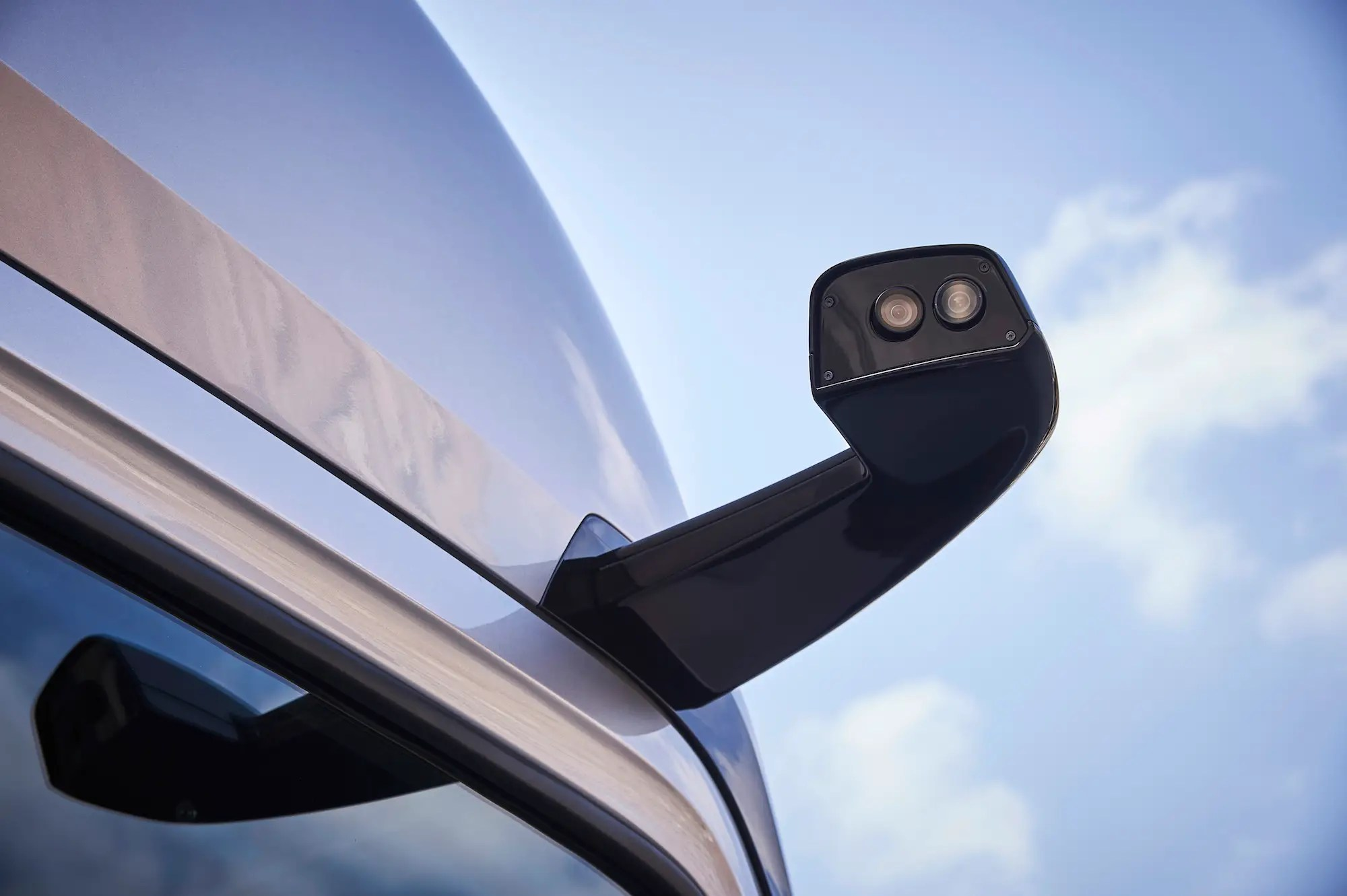 Mercedes opted to have cameras replace the sideview mirrors.