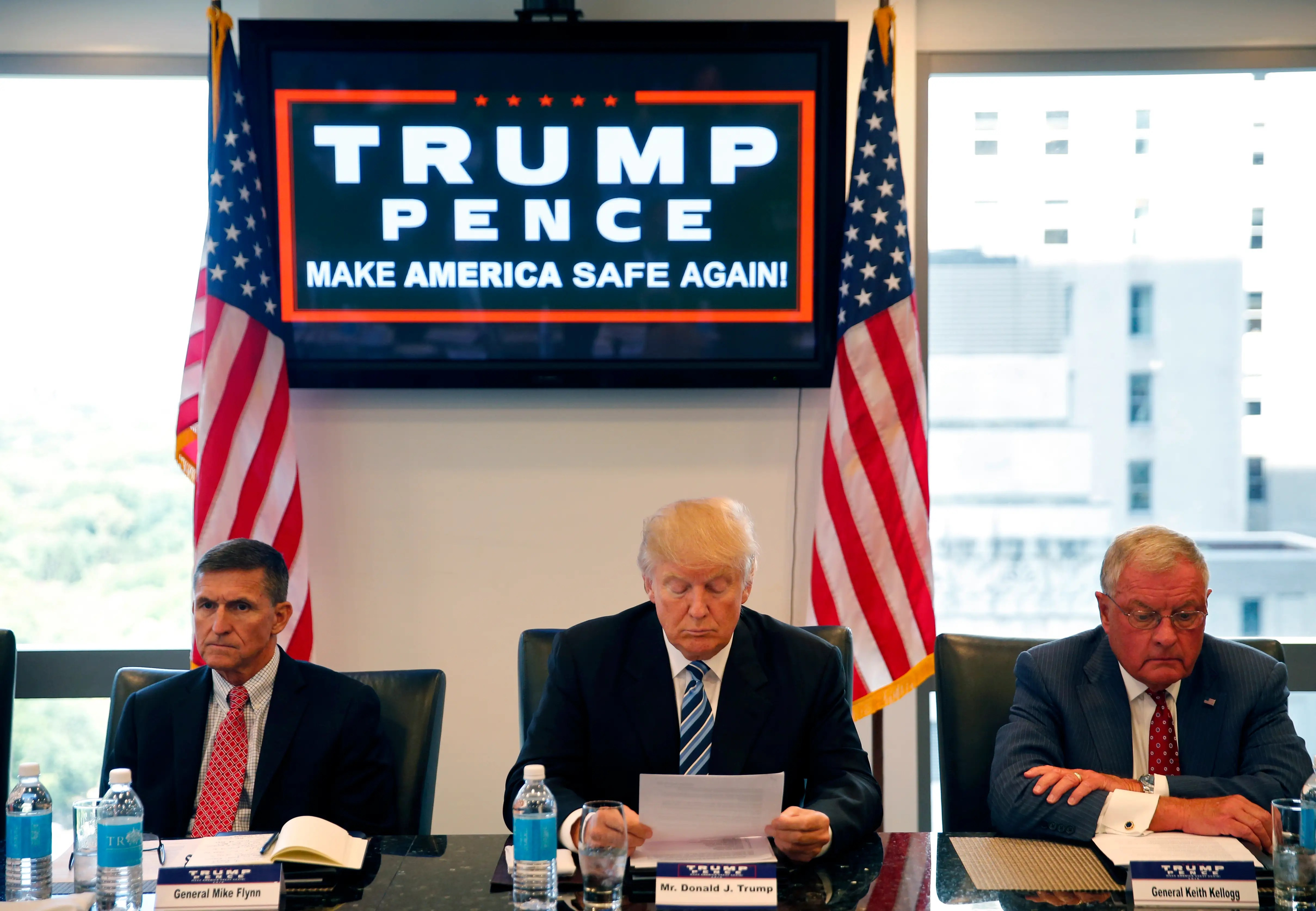 Donald Trump with Mike Flynn and Keith Kellogg