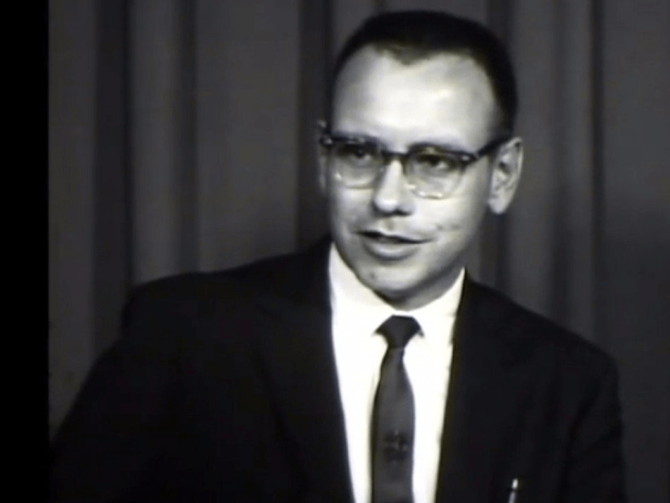 When Benjamin Graham closed his partnership in 1956, Buffett started his own company back in his beloved Omaha: Buffett Partnership Ltd.