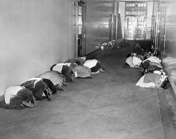 Vintage photos: Cold War nuclear threat prep - Business ...