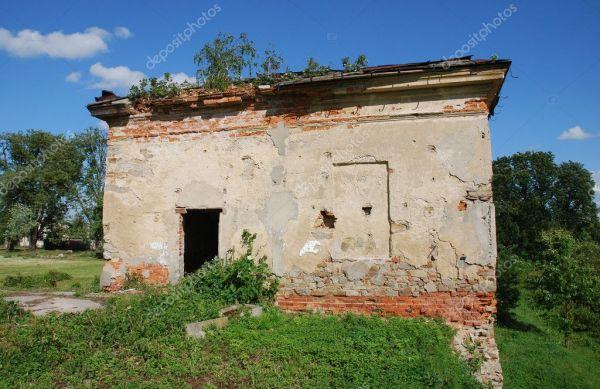Разрушенный дом после войны — Стоковое фото © Cancerus ...