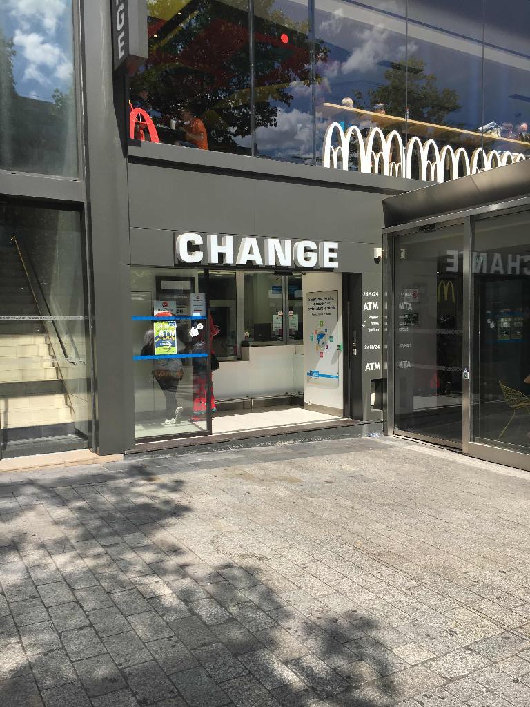 bureau de change 140 avenue des champs elysees 75008 paris