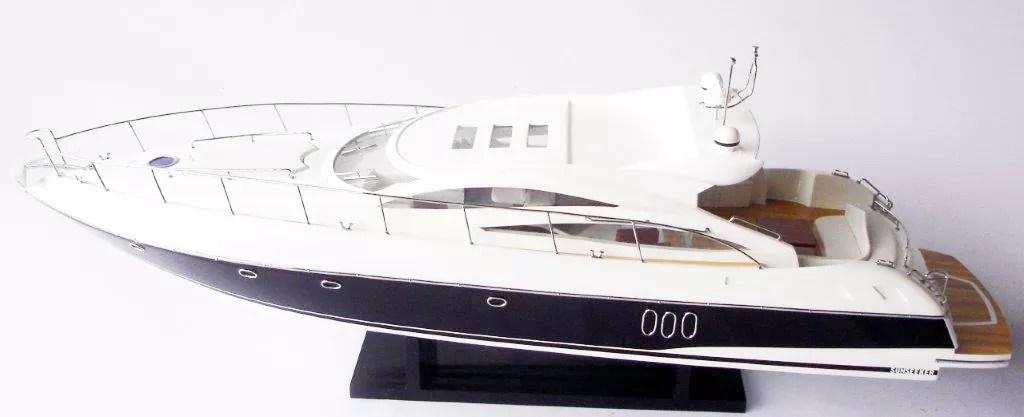 Sunseeker Predator 62 RC előkészített modell Motorcsónak makett