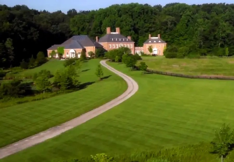 LONGABERGER ESCHMAN MEADOWS, NASHPORT, OHIO: 55,000 square feet. The house currently belongs to CEO of Longaberger Baskets. The estate, which sits on 200 acres, is on sale for $15 million.