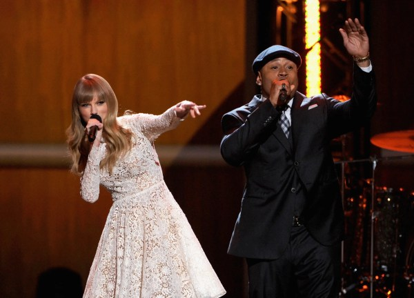 Taylor Swift Beatboxing - Business Insider