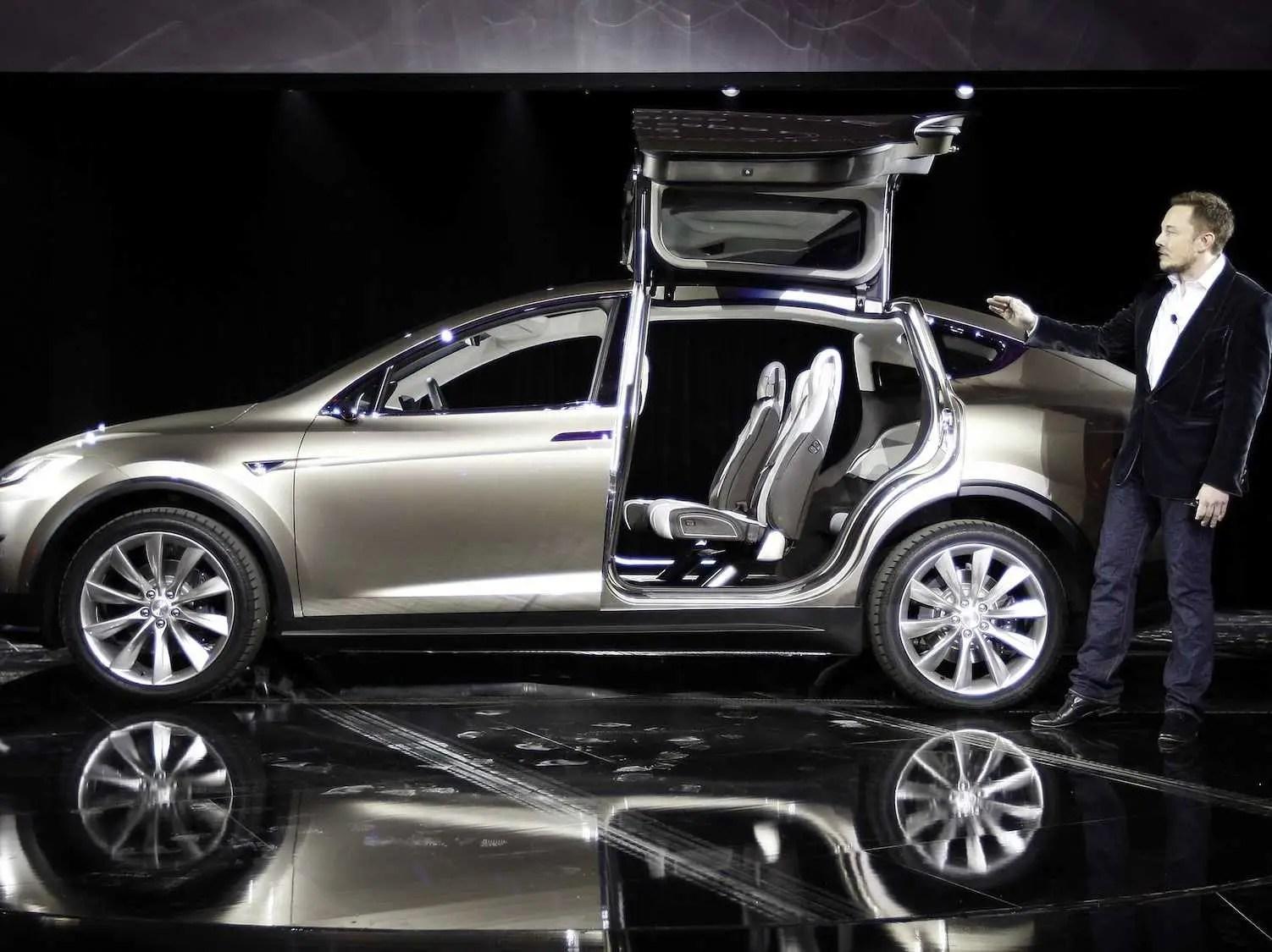 https://i1.wp.com/static5.businessinsider.com/image/530610acecad049d0316d24c/elon-musk-teslas-suv-will-be-more-popular-than-the-model-s-sedan.jpg