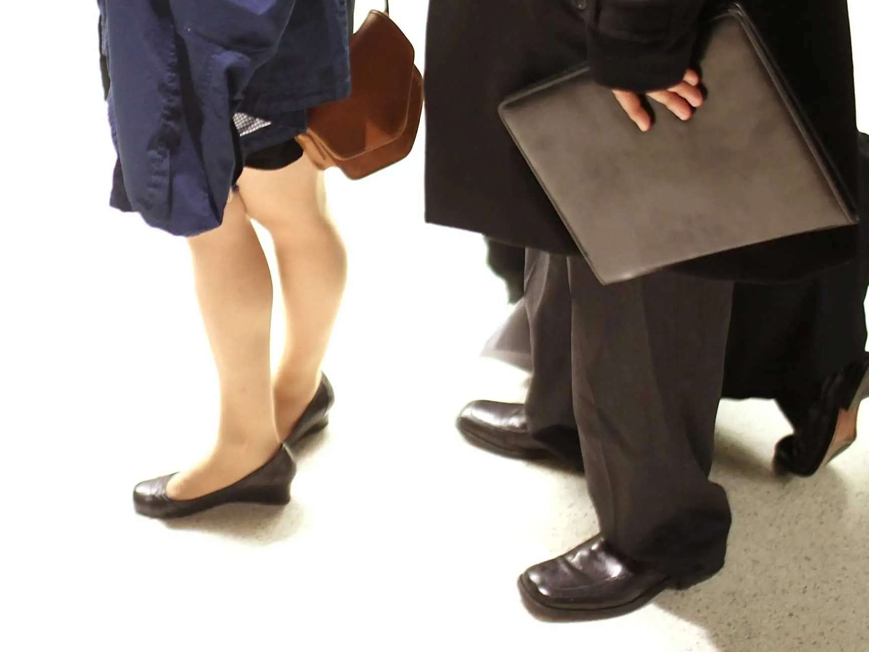 22 Ways Your Office Job Is Destroying Body Financial Post Cut Engineer Best Safety Boots Iron Apple Soft Brown Uncomfortable Shoes May Eventually Lead To Spinal Injuries Muscle Spasms And Chronic Headaches