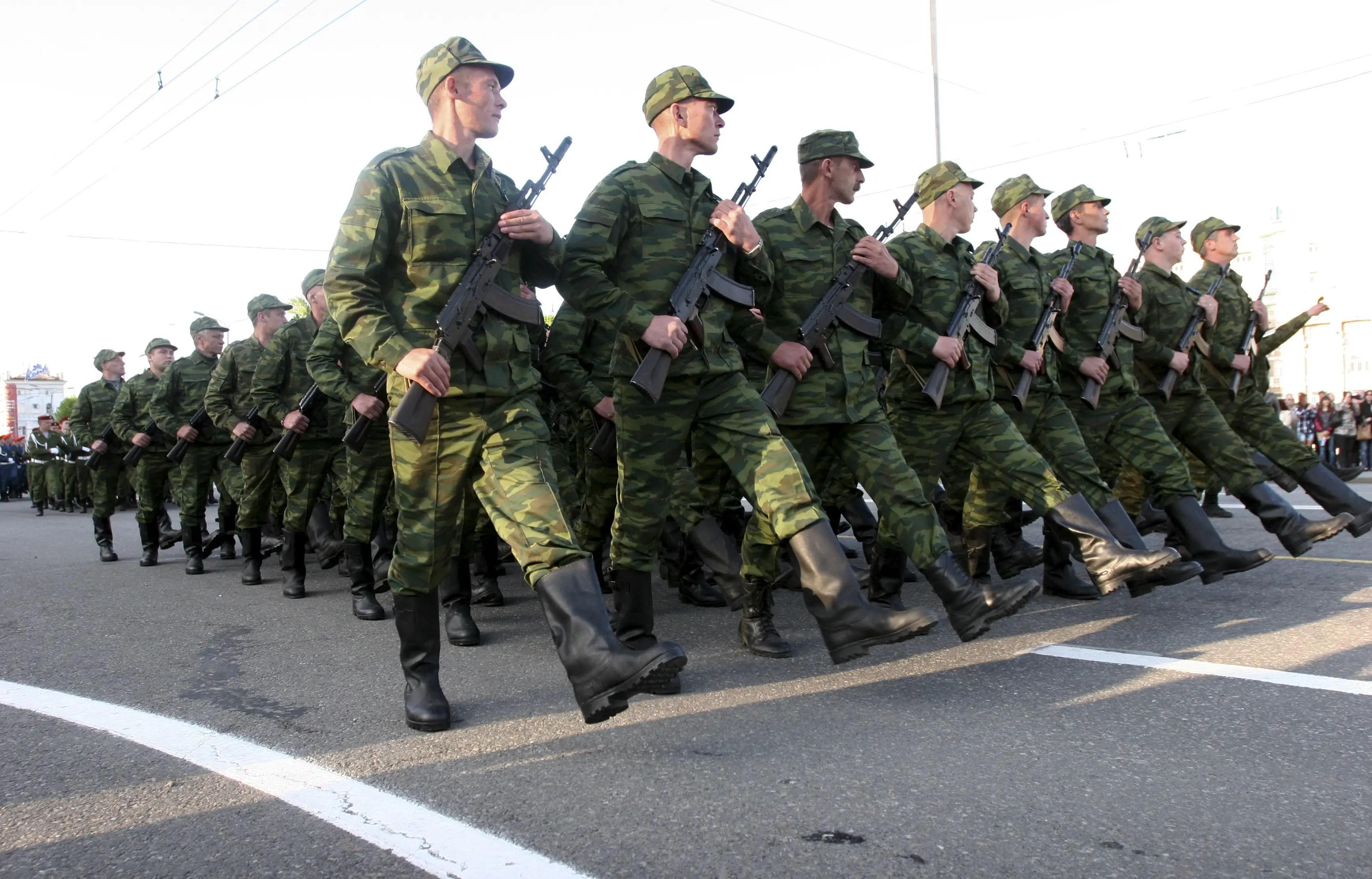 Ukraine rebels military parade