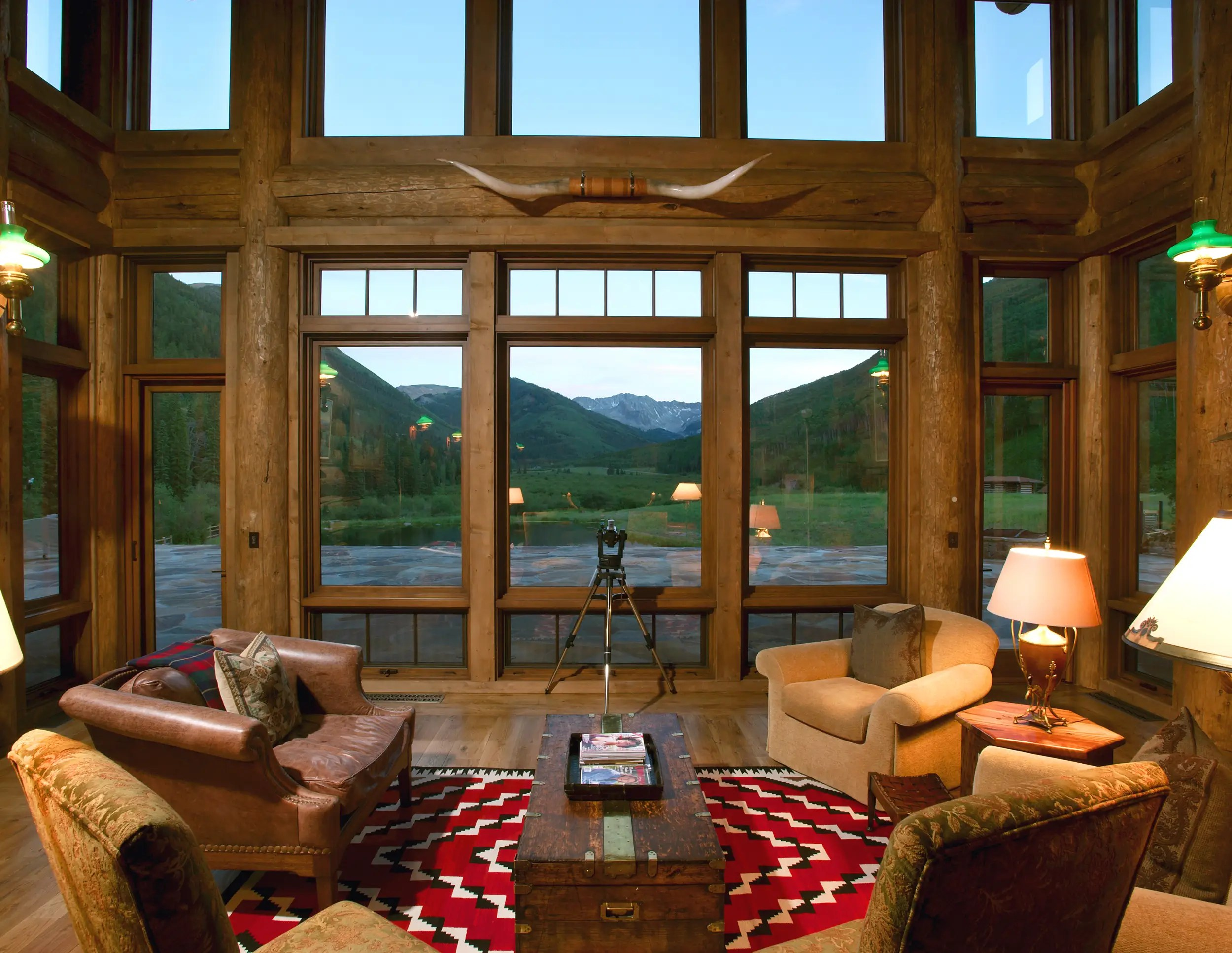Living spaces take full advantage of the views.