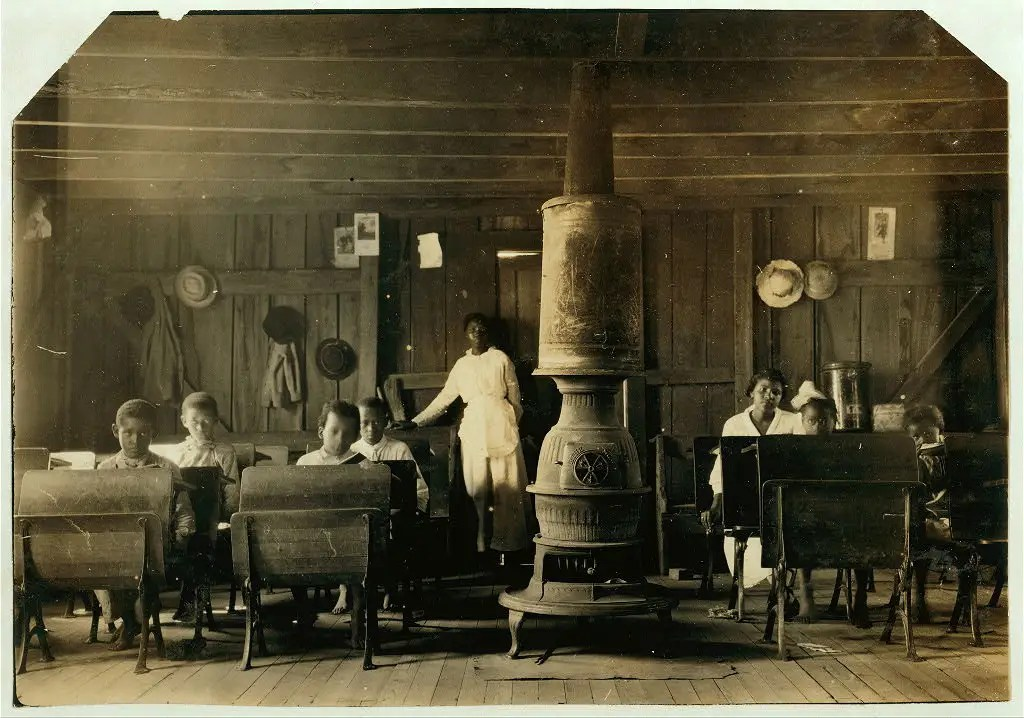 "A ""colored school"" at Anthoston. Census 27, enrollment 12, attendance 7. Teacher expects 19 to be enrolled after work is over. ""Tobacco keeps them out and they are short of hands."" Location: Henderson County, Kentucky, September 1913."