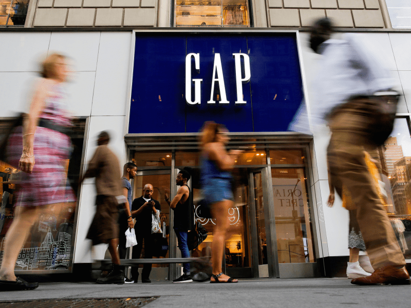 Analyst begs Gap s board to  Change Name of Company to Old Navy     Gap
