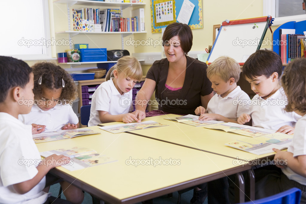 """Résultat de recherche d'images pour """"photos d'une classe de lecture en primaire"""""""